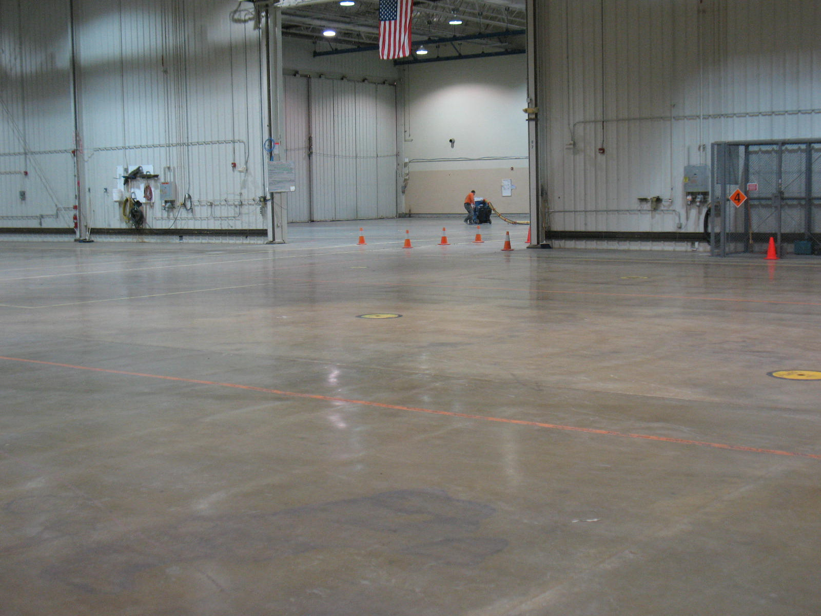 Static Floor Systems : Mitigating electrostatic discharge with static control